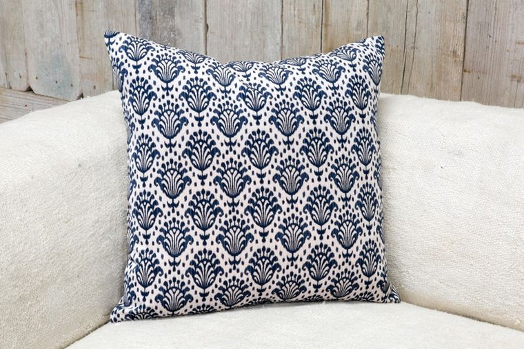 VELVETEEN PILLOW - NAVY & WHITE SQUARE