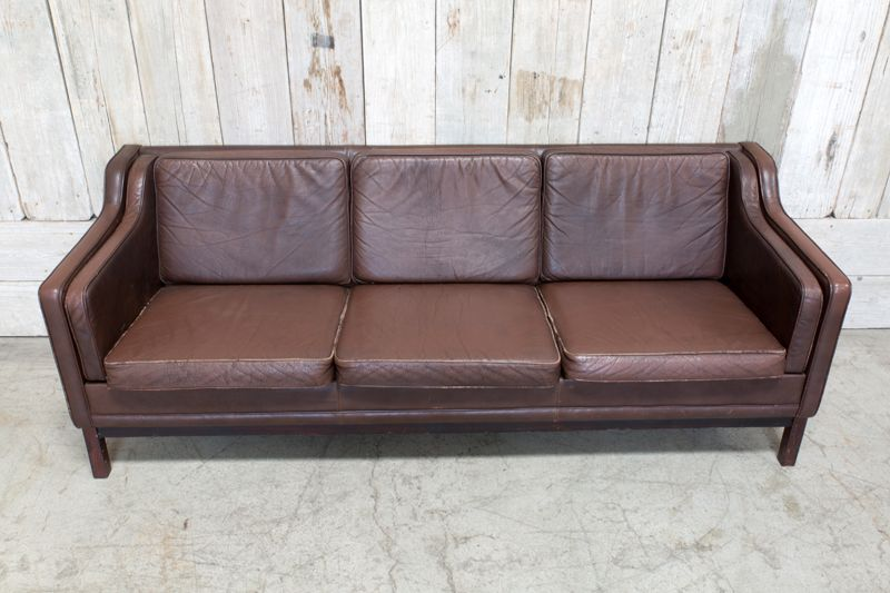 VINTAGE LEATHER SOFA - BROWN