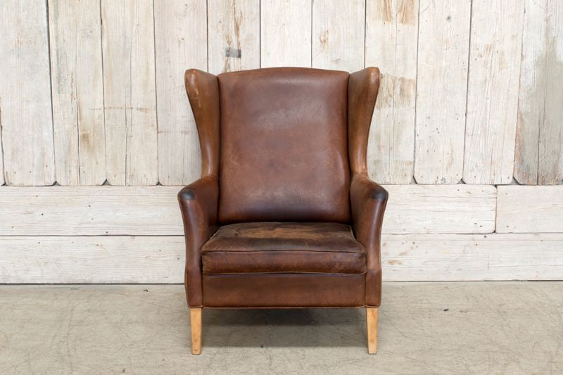 VINTAGE LEATHER WINGBACK CHAIR - BROWN
