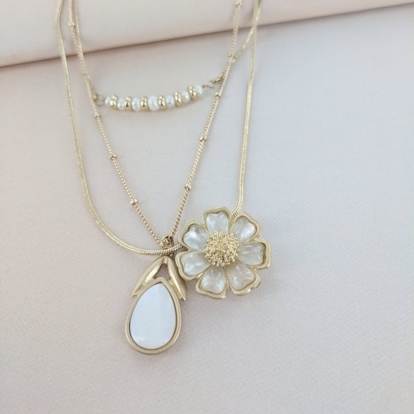 Triple Stand Pearl Daisy Necklace