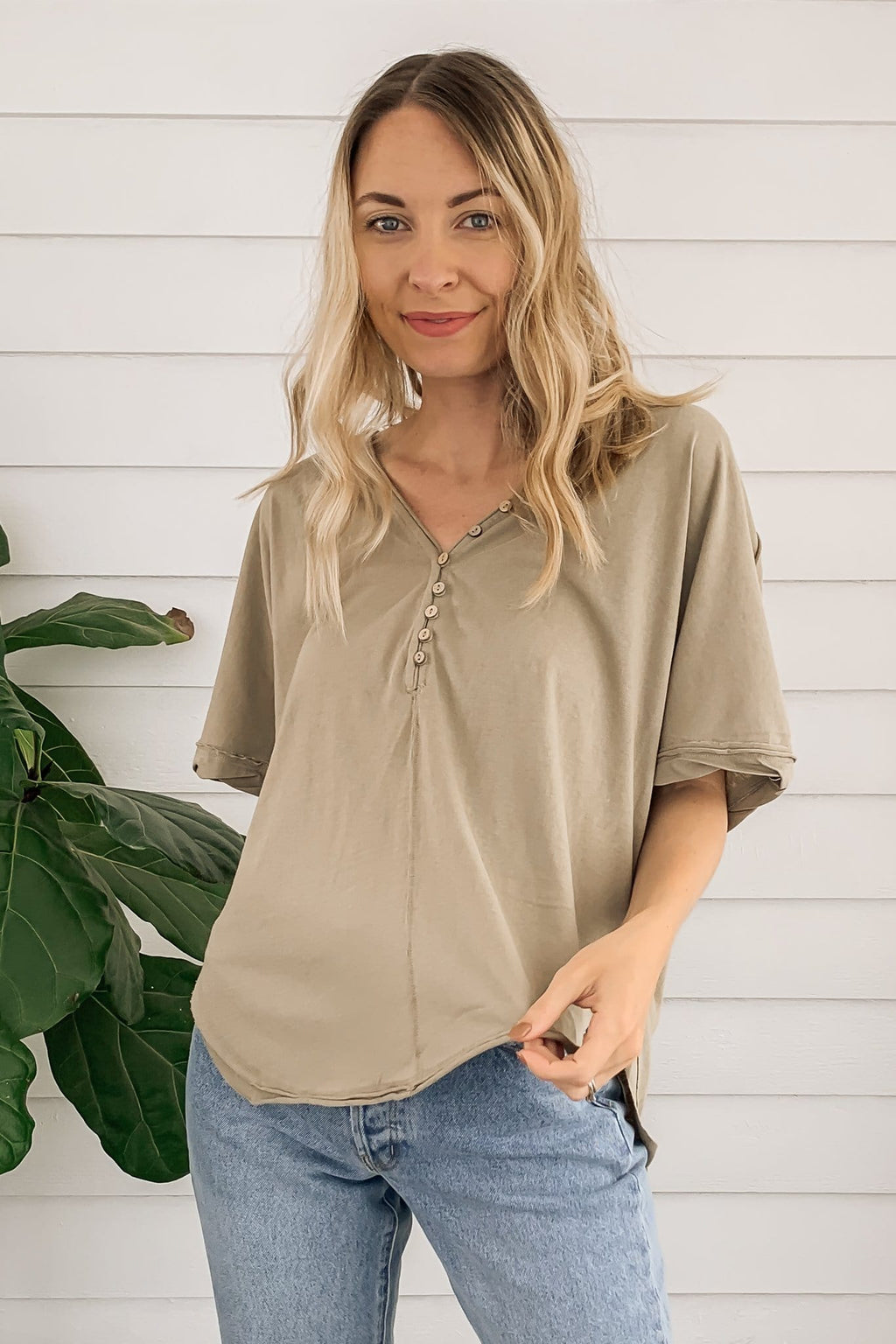 Bonito Button Top