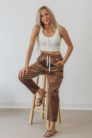 High Waist Criss-Cross Pocket Leggings