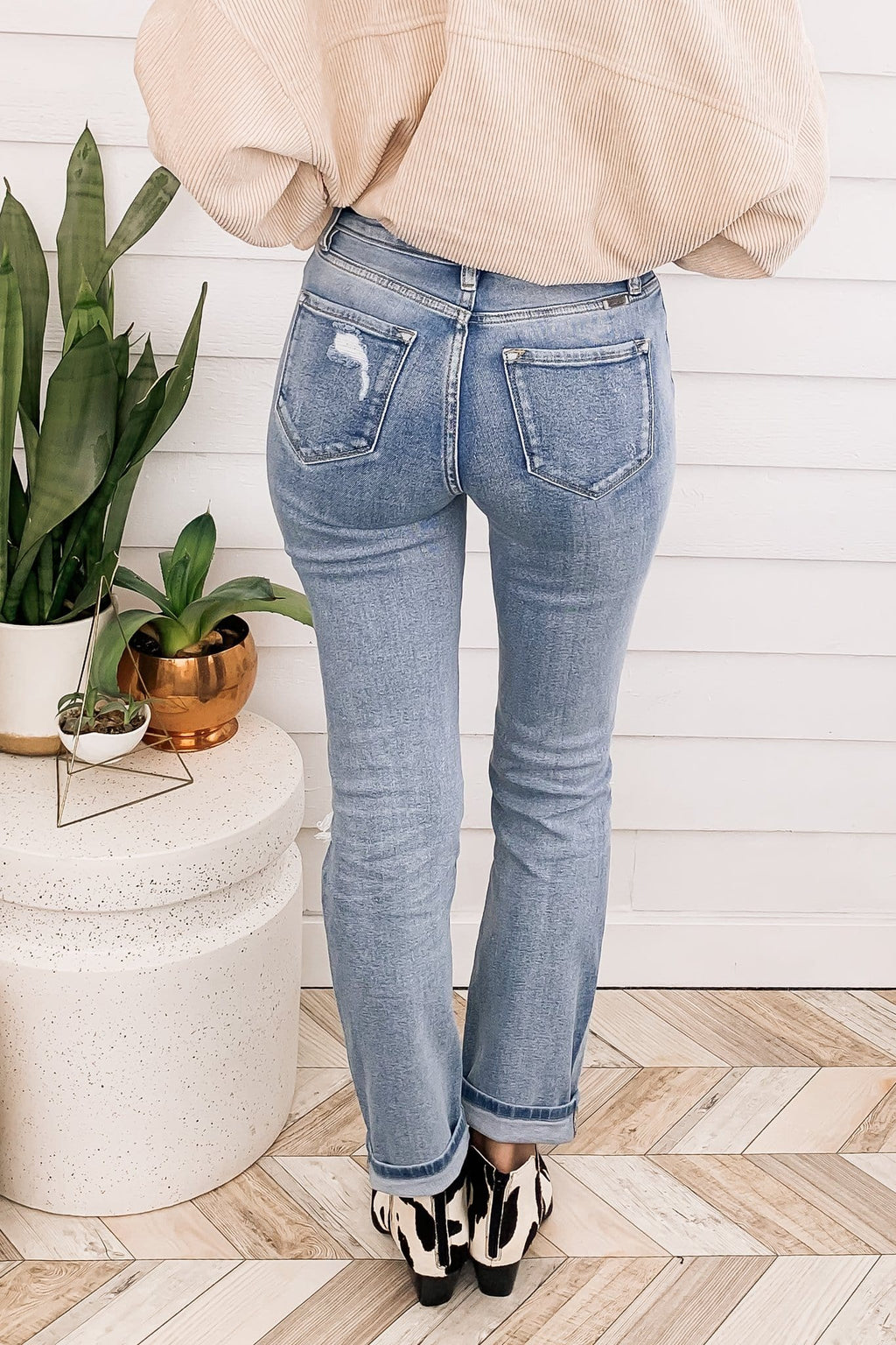 Kan Can Light Wash High Rise Mom Jean