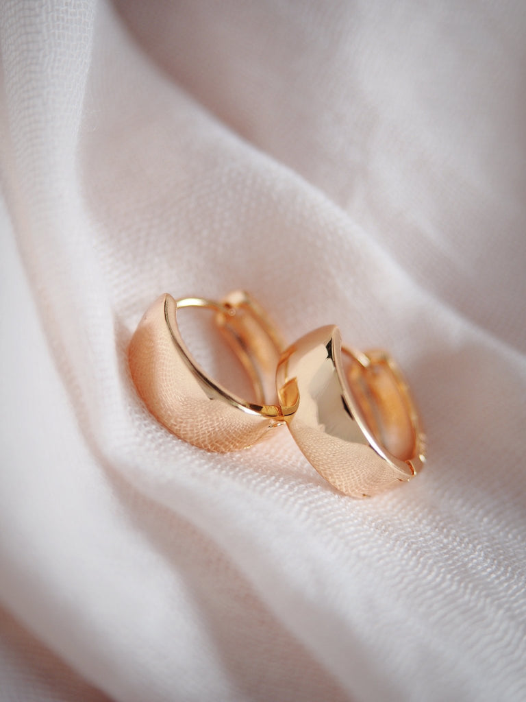 Earrings - Classic Thick Gold Chubby Huggie Hoop Earrings - Mana - Ke Aloha Jewelry