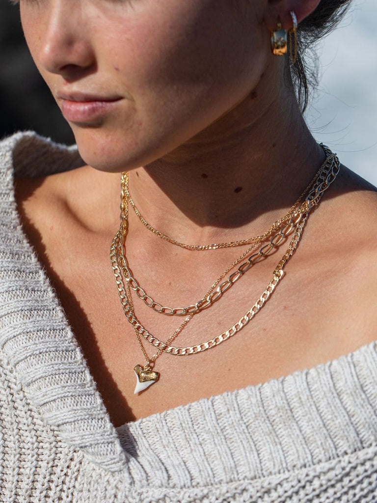 Gold Necklace - Gold Filled Dapped Figaro Chain Necklace - Kaile'a - Ke Aloha Jewelry