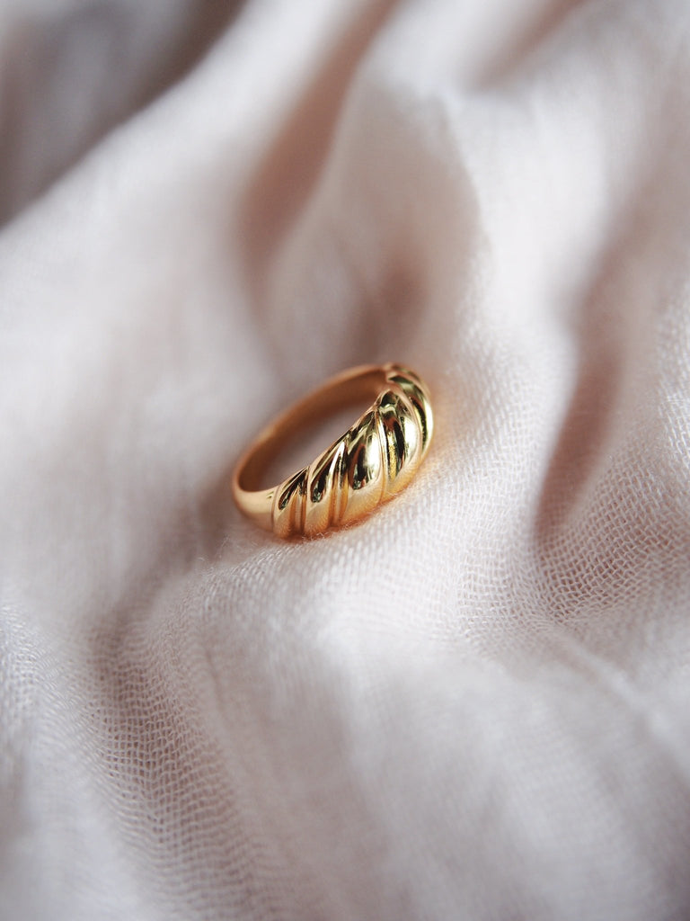 Rings - Statement Gold Croissant Dome Ring - Aheahe - Ke Aloha Jewelry