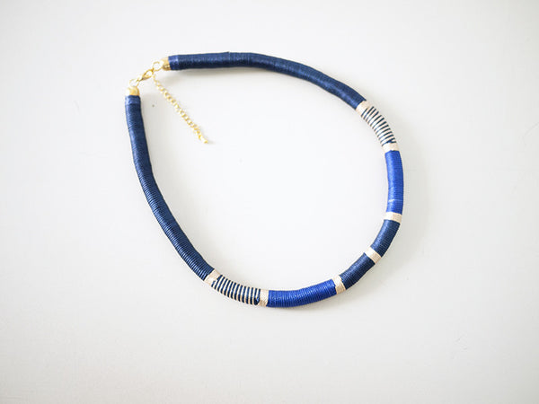 Thread-Wrapped Necklace (Blue)