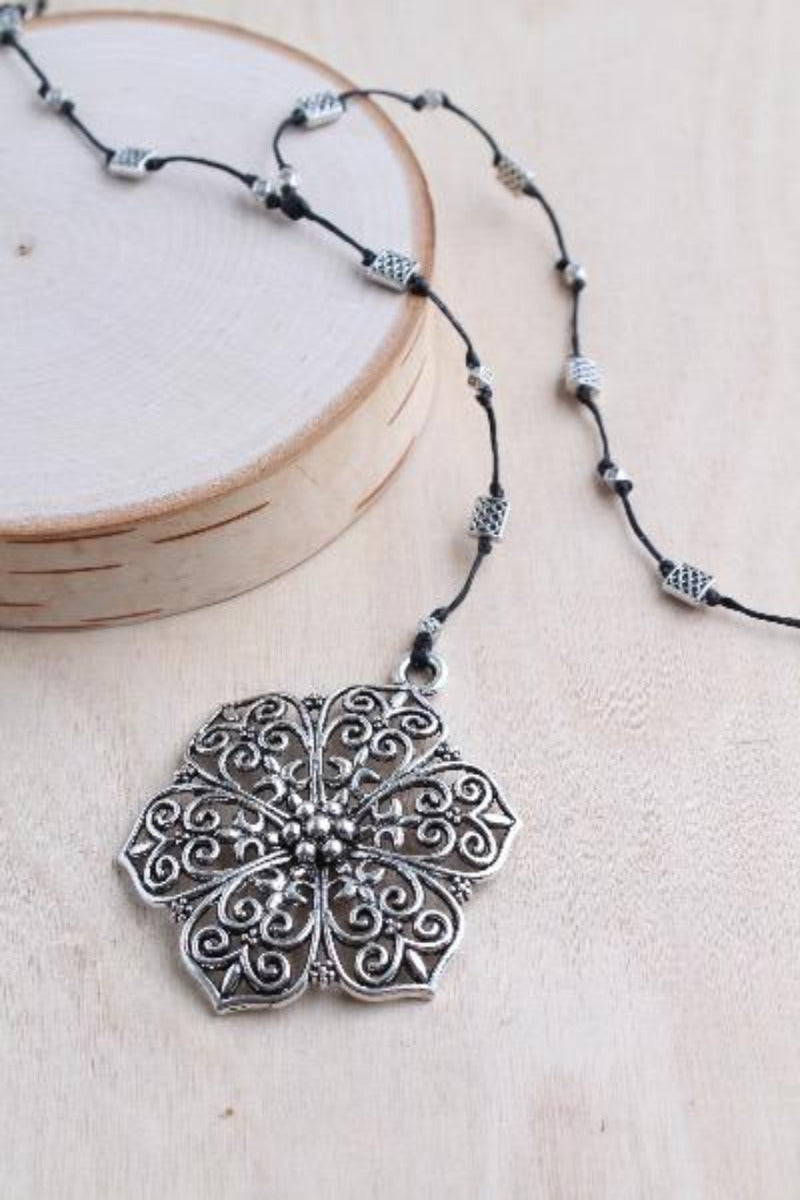 Hibiscus Alloy Necklace