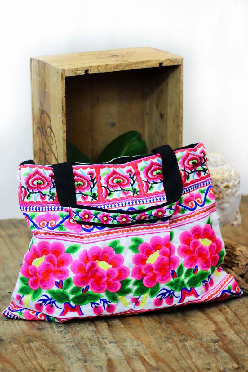 beach mag, embroidery, embroidered beach bag, Mexican flowers, Thailand, bright beach bag, resort wear, beach wear, bali queen, coco rose