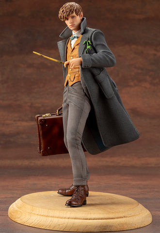 FANTASTIC BEASTS: THE CRIMES OF GRINDELWALD Kotobukiya NEWT SCAMANDER ARTFX+