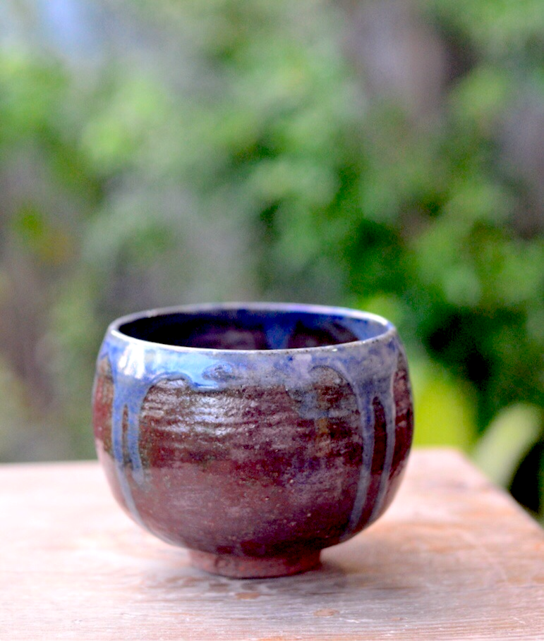 New! Oryoqi®️ Shino Glaze Chawan with Cobalt Blue accent