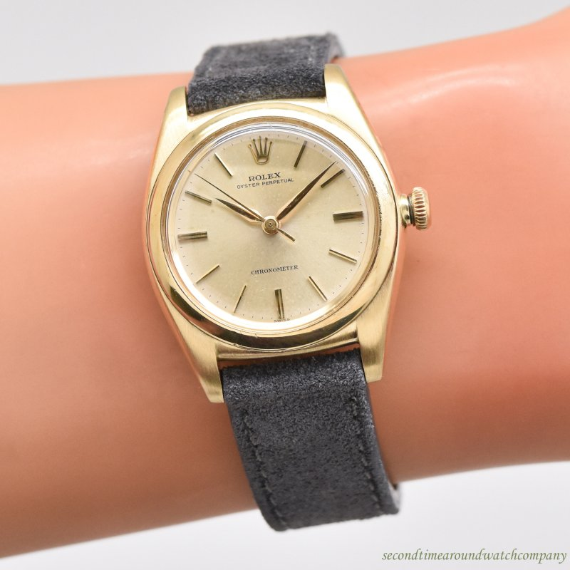 1947 Vintage Rolex Bubbleback Reference 3131 14k Yellow Gold Watch