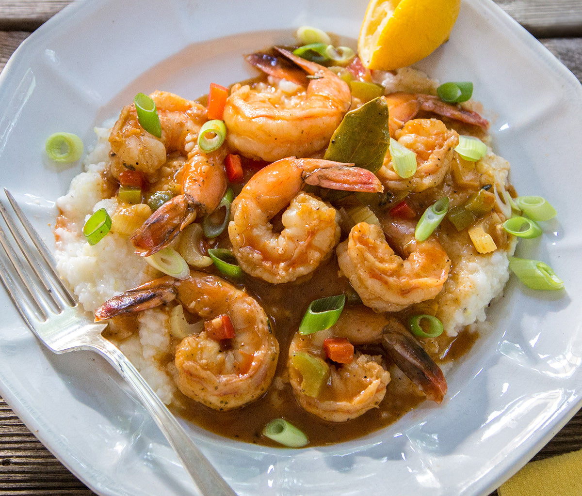 lousiana-bbq-shrimp-creole-on-stone-ground-grits-closeup