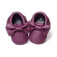 Load image into Gallery viewer, Butterfly Bow Moccasins