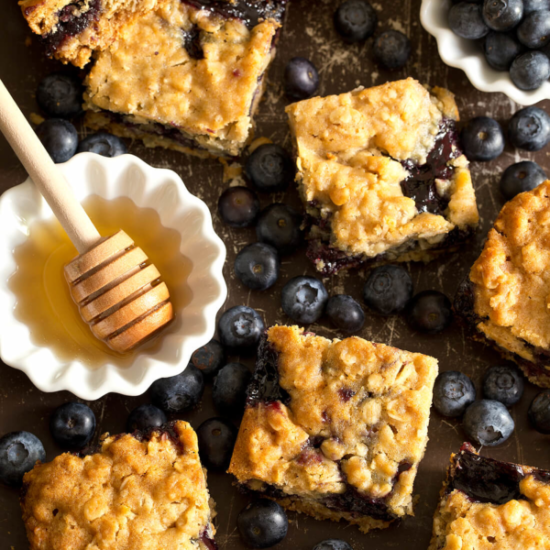 manuka honey blueberry oatmeal bars
