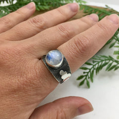 Silver & Rainbow Moonstone Ring, size 8 1/2