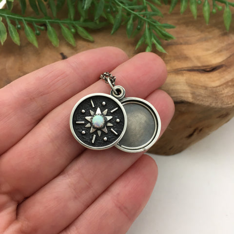 Mini Starburst Swivel Photo Locket