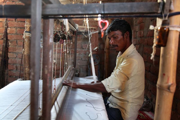 hand loom weaver in  india - handmade with love from mirth