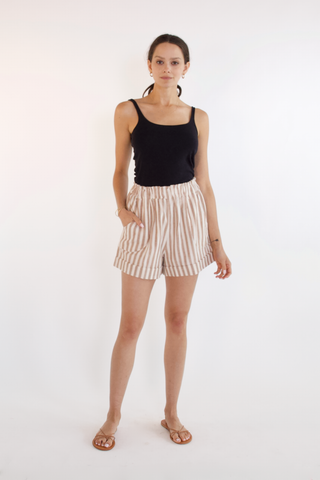 woodstock short in taupe stripe