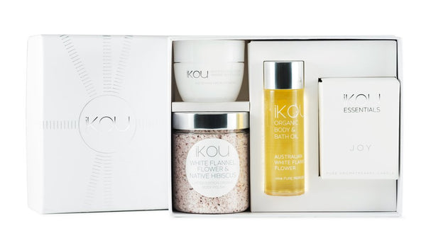 IKOU WHITE FLANNEL FLOWER RITUAL GIFT BOX