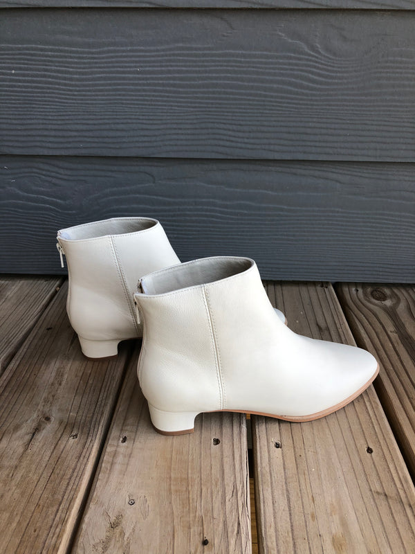 Intentionally Blank Gary white ankle boot