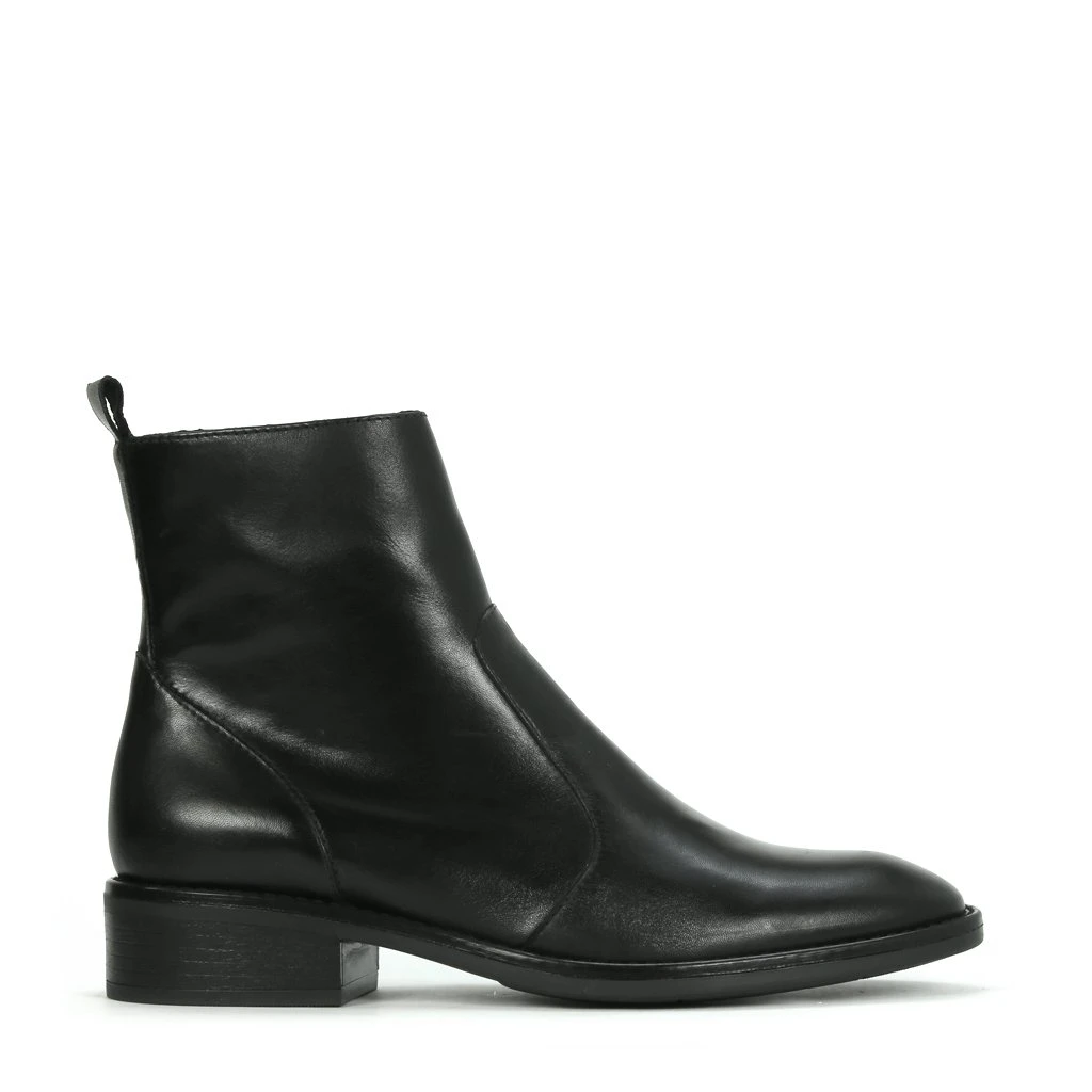 EOS Seline Leather Boot - Black