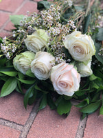 The Classic White Rose Dozen