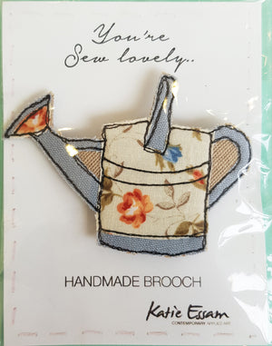 Free Motion Embroidery Fabric Brooch by Katie Essam S10KE2