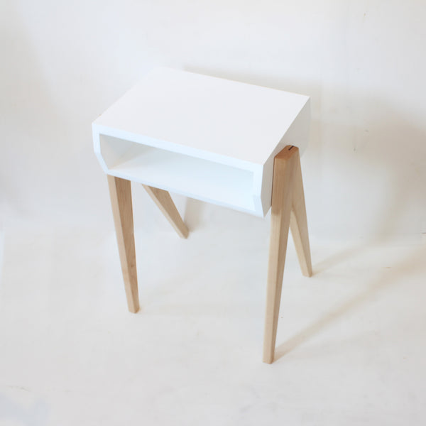 The Neat Side Table