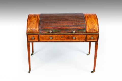 An Irish 18th Century Kneehole Desk - REST03