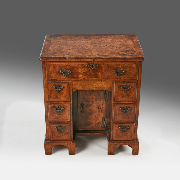 ... A Queen Anne Knee hole Desk - DK106 ... - A Queen Anne Knee Hole Desk - DK106 – Johnston Antiques