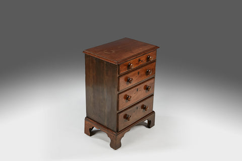 A Georgian Chest of Drawers - CCT230