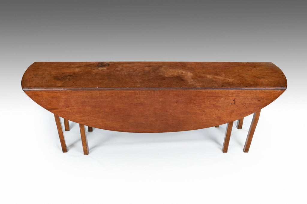 A Georgian Mahogany Hunt Table - TB723