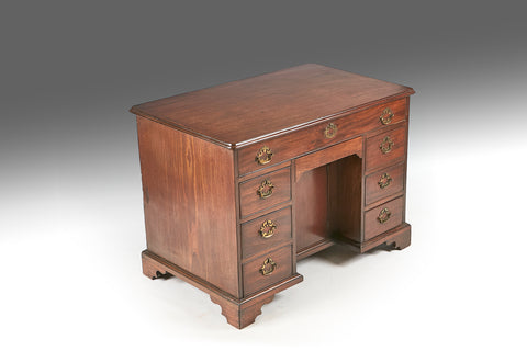 A Georgian Kneehole Desk - REST27