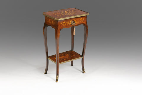 A Georgian Tilt-top Table - TB319