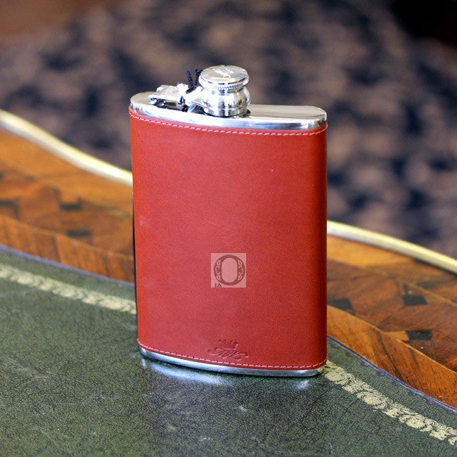 MARLBOROUGH World : Leather 'Chestnut' 8 OZ Hip flask -  - 1
