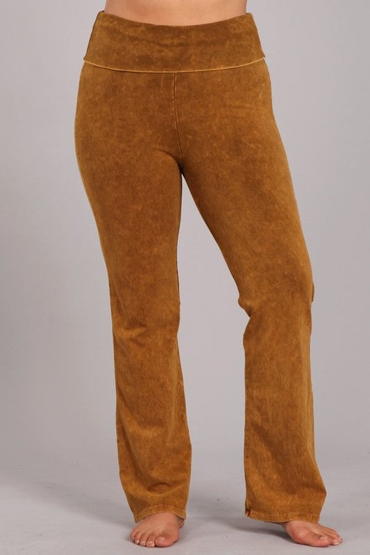 Chatoyant Plus Yoga Pants - Butterscotch