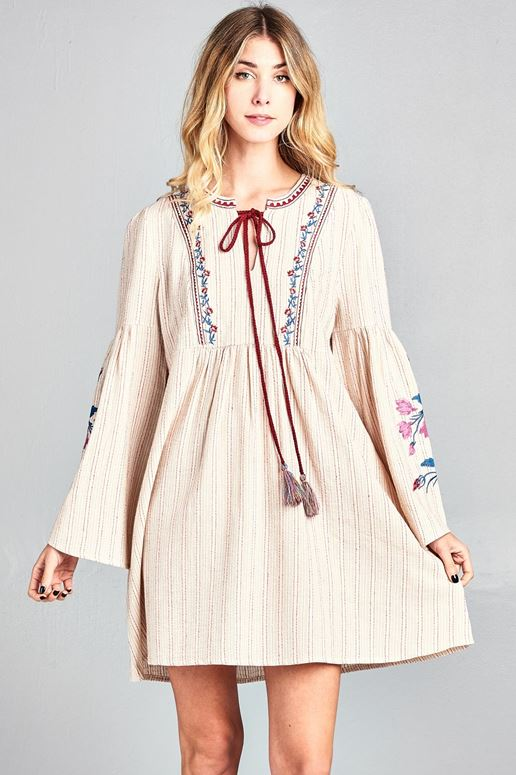f4e6602956aad0 Bohemian Flower Embroidery Bell Sleeve Babydoll Dress - Taupe