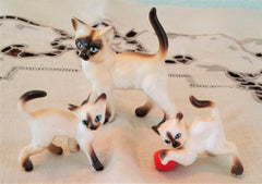 HTF! VINTAGE BONE CHINA MINIATURE SIAMESE CATS, Set of 3 Figurines, MIJ