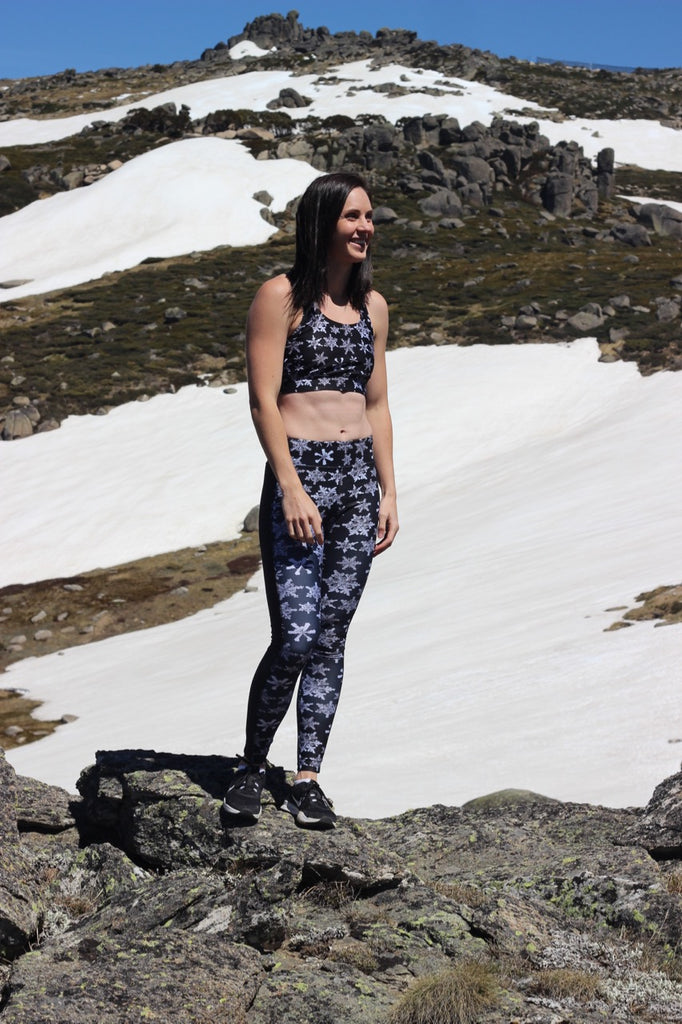 """MIDNIGHT SNOWFALL"" Sports Bra Top"