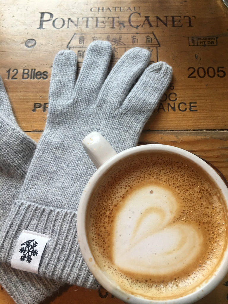 A Touch of Luxe Texting Gloves