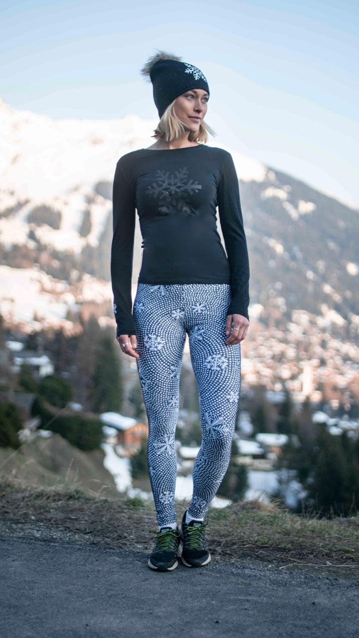 """Snowflake Dreaming"" Performance Leggings"