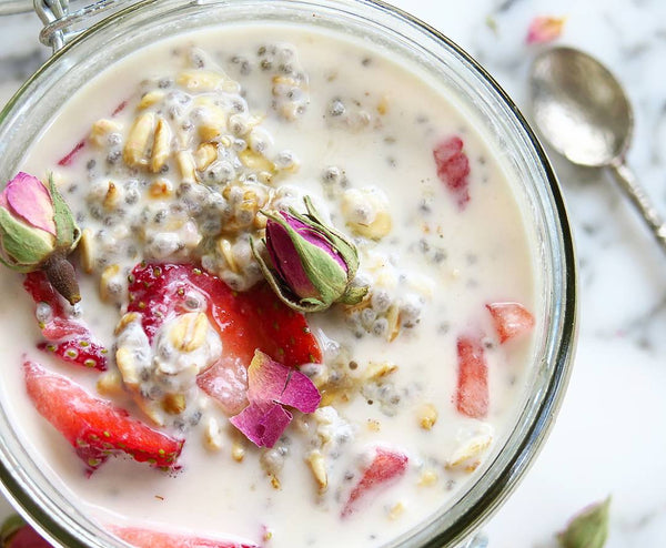 Mindful Morning Rituals & Easy Strawberry and Rose Overnight Oats Recipe