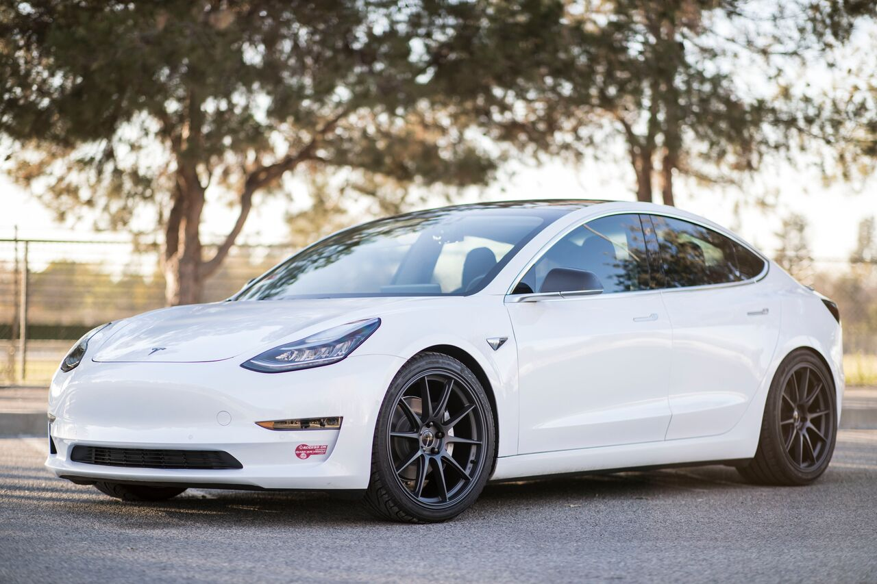RS18 20x9/20x10.5 (5x114.3) Roto-Forged | Tesla Model 3