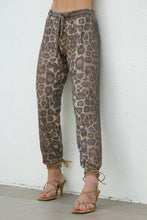 Load image into Gallery viewer, Brushed Rib Pant - Leopard