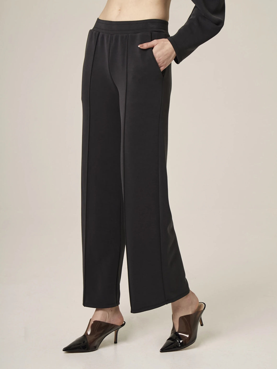 Wide Leg Pintuck Pant - Black