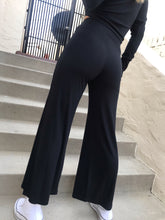 Load image into Gallery viewer, The Rib Wide Leg Pant - Black