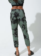Load image into Gallery viewer, Abbot Kinney Lounge Pant - Epic Camo