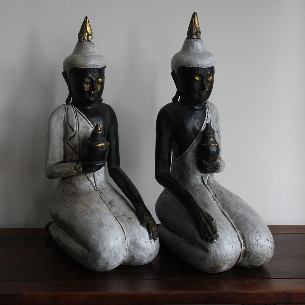 Buddha pair large black/white