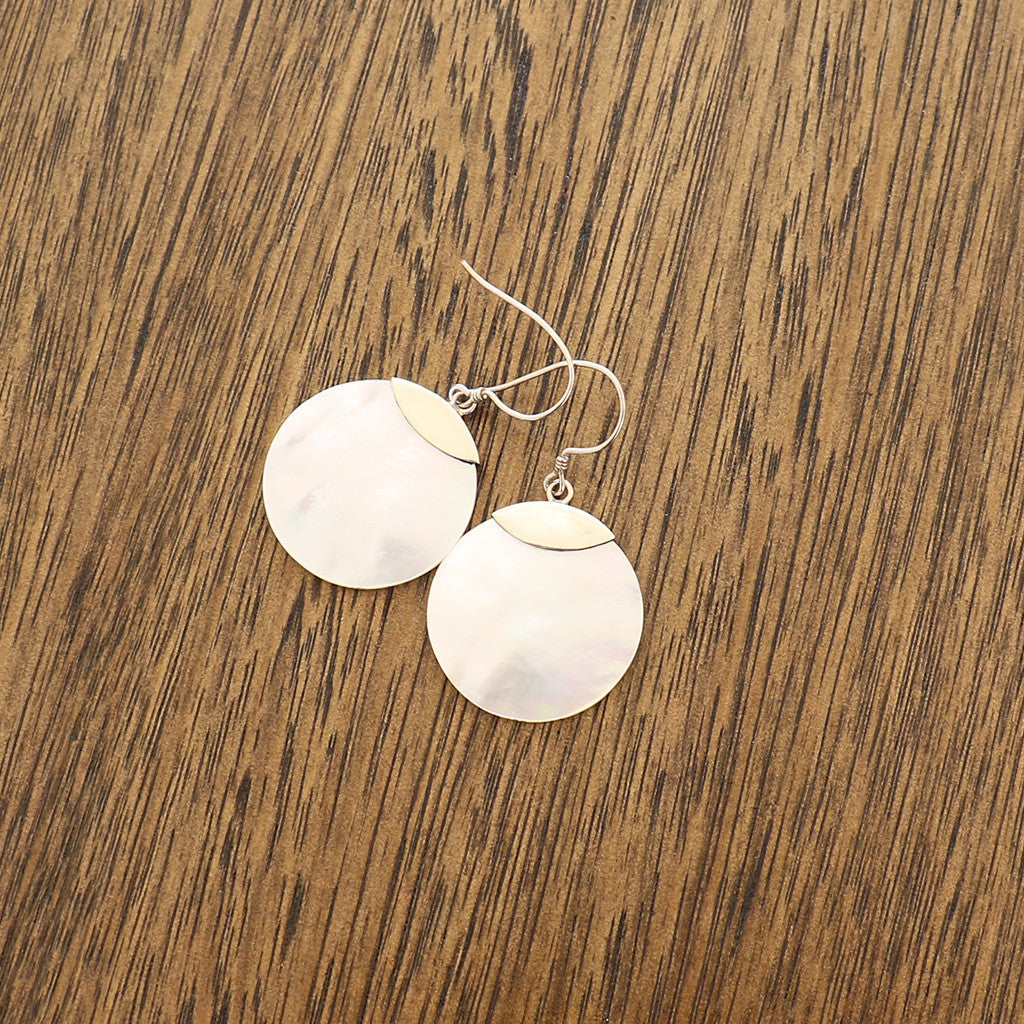 Mother of Pearl/925 sterling silver round earring small